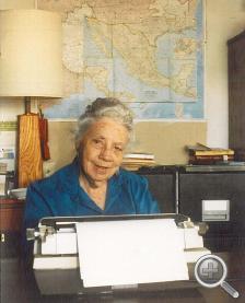 Dorothy Thomas at Typewriter